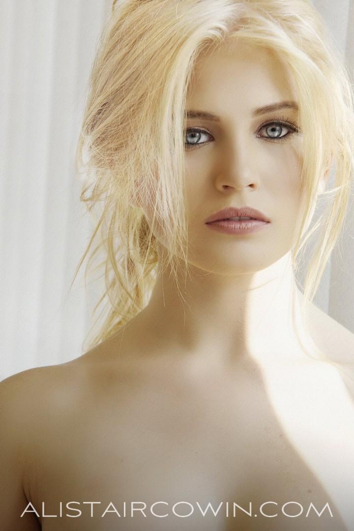 Studio beauty shoot for model's Portfolio.  Maquilleuse: Chloe Bradley